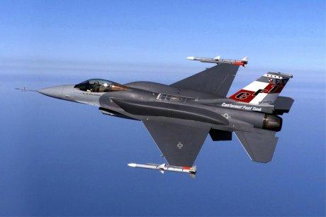 F-16E fighter jet